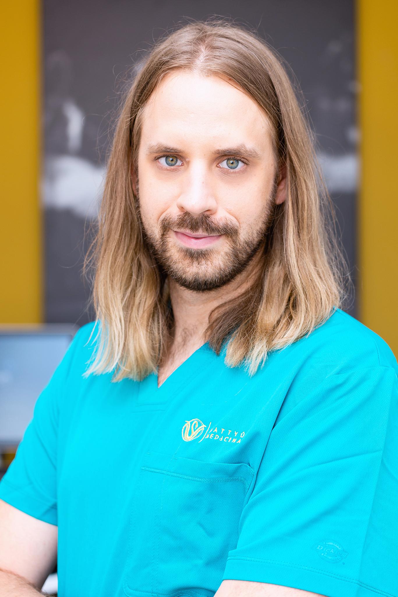 Dr. Komoróczy Balázs